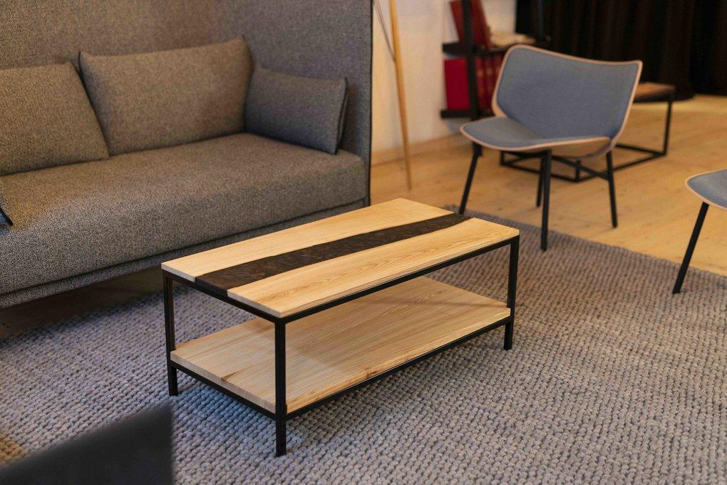Salontisch Esche mit Holztablar Epoxidharz