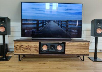 TV-Möbel aus Eiche geräuchert